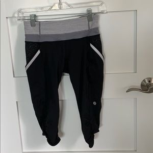 Lululemon leggings, black, Capri size 4